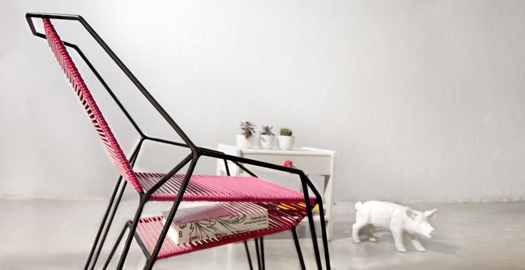Furniture design by ODA and DOSUNO Design.  Chair, cool, colors, modern, decoration, books, space, idea, pink