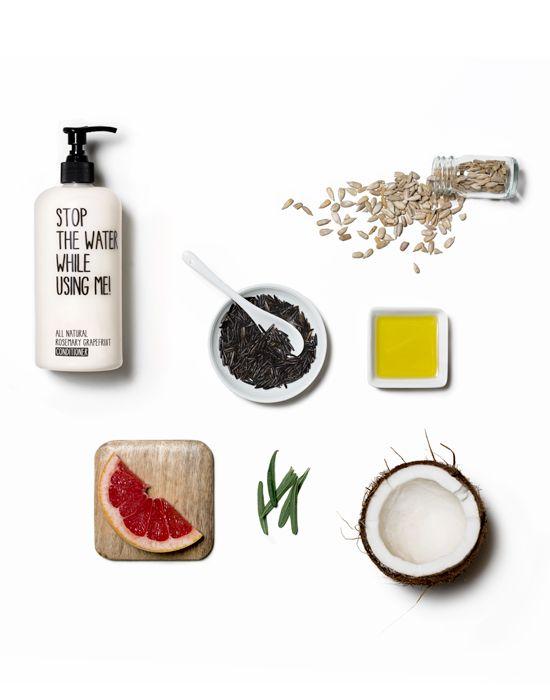 STOP THE WATER WHILE USING ME - Der natürliche silikonfreie Conditioner pflegt nach der Haarwäsche sanft und sorgt durch die Wirkstoffe des Kokos- und Sonnenblumenöls für Glanz und Geschmeidigkeit. Wertvolle Aktivstoffe legen sich wie ein hauchfeiner Mantel schützend um die Haaroberfläche und bringen die natürlichen Inhaltsstoffe voll zur Geltung. Der angenehme Duft von Grapefruit umgibt jedes Haar mit Frische, Rosmarin fördert die Durchblutung und belebt die Kopfhaut