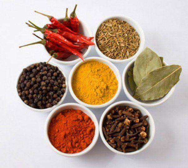 Знаете ли вы, что некоторые травы и специи содержат значительно больше антиоксидантов, чем многие фрукты и овощи? Для примера: в гвоздике, корице или куркуме их содержится в 10 раз больше чем в чернике.  Преимущества антиоксидантов в специях разнообразны и предлагают в качестве защиты от таких серьезных заболеваний как рак, инфаркт, диабет, артрит и общее старение организма. #iherb #sale #иммунитет #здоровье #специи #простуда #осень #болезнь