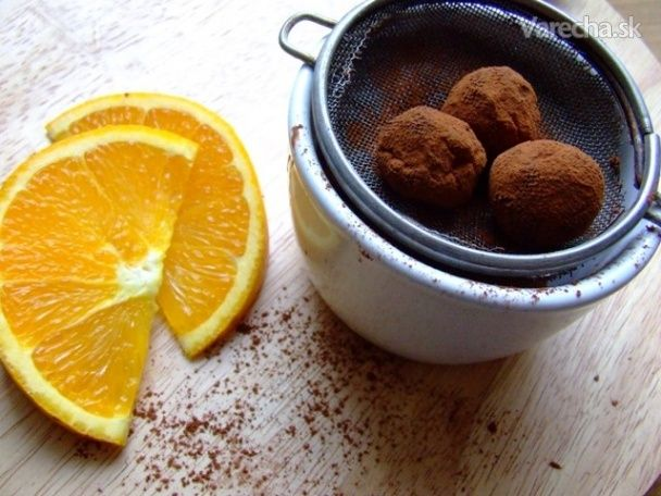 Čokoládovo-pomarančové pralinky z troch surovín