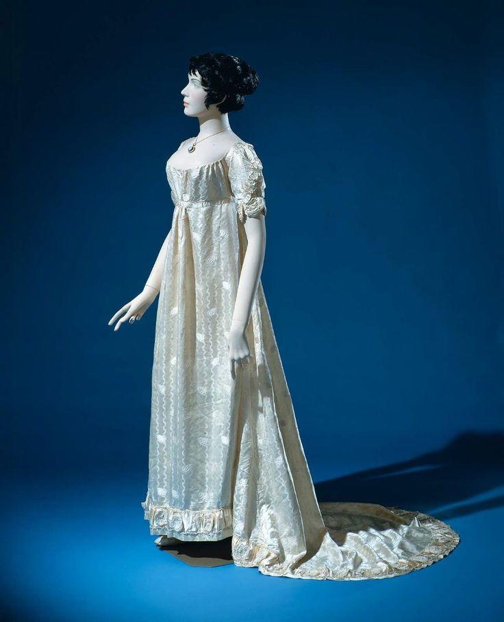 107 Best Regency Empire Federal Images On Pinterest Empire Style Regency Era And Regency Gown