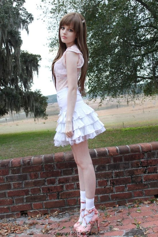 pretty skirt and shoes!