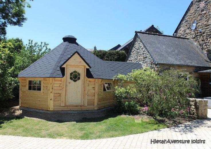 kota finlandais, en extension à une maison existante ... joli le mariage entre bois et pierre ! si vous voulez en savoir plus : http://www.hietala-aventure-loisirs.com/