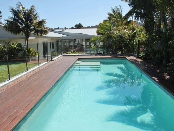 ~TROPICAL OASIS~ 2 minute walk to, a Avalon Beach House   Stayz