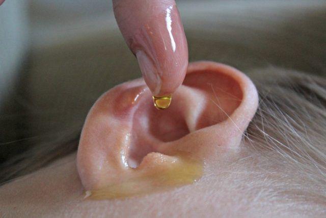 Con 2 gotas de esto en los oídos recupera el 97% de tu audición incluso si tienes más de 80 años….   Salud con Remedios