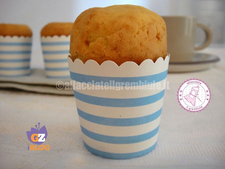 le tortine delle nuvole sono preparate con un impasto sofficissimo e veramente semplice e veloce da realizzare. Ottime per colazione, per merenda o anche come base per torte da farcire.