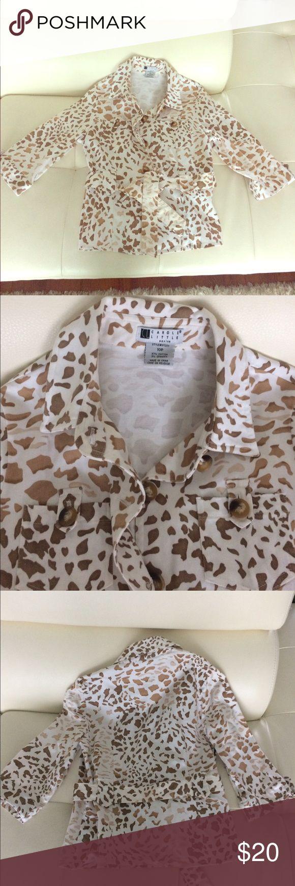 Carole little petite Safari cotton blazer size 10p Love this! Carlole Little Petite size -10p cotton with 3% spandex blazer top.  Euc perfect for spring Carole Little Jackets & Coats