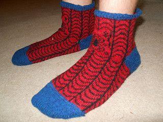 4706840583_a38280180f_n, free knitting patterns, spiderman socks