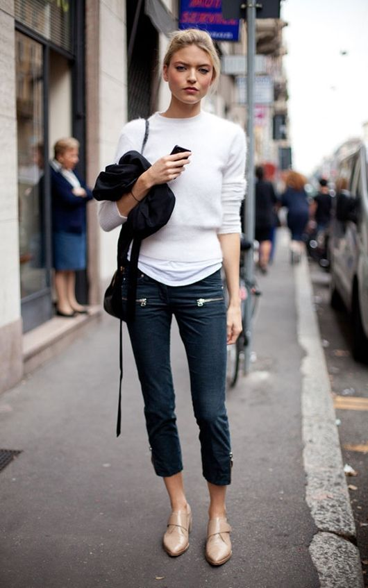 Cropped pant, nude shoes, relaxed top
