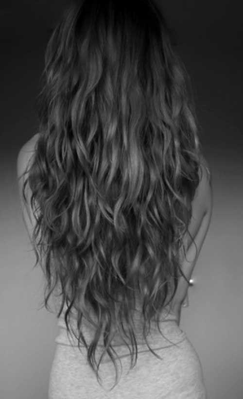 20.Long Wavy Haircut