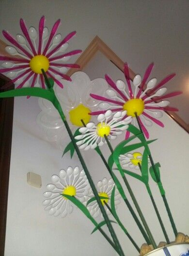 1000 images about forks spoons and knives on for Crafts with plastic spoons and forks