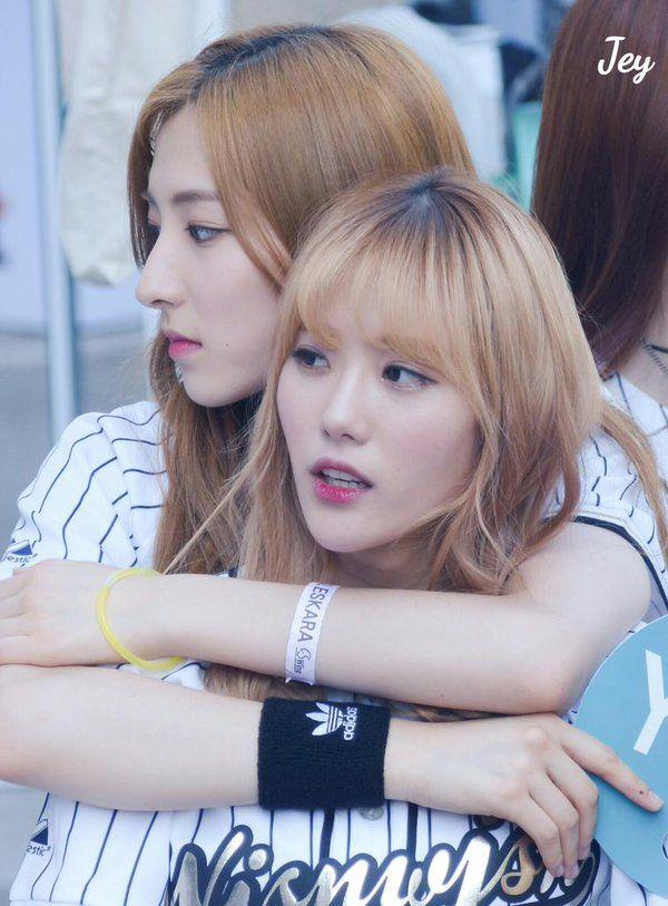 WJSN ♡ Lee Luda 이루다 & Eunseo 은서 (Son JuYeon 손주연) at Sungkyunkwan University festival Y24 'Campus Attack' promotions 160519 #우주소녀 #성대축제 #캠퍼스어택 성균관대