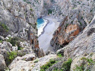 Μικρές παραλίες πραγματικά διαμάντια στη Μεσόγειο