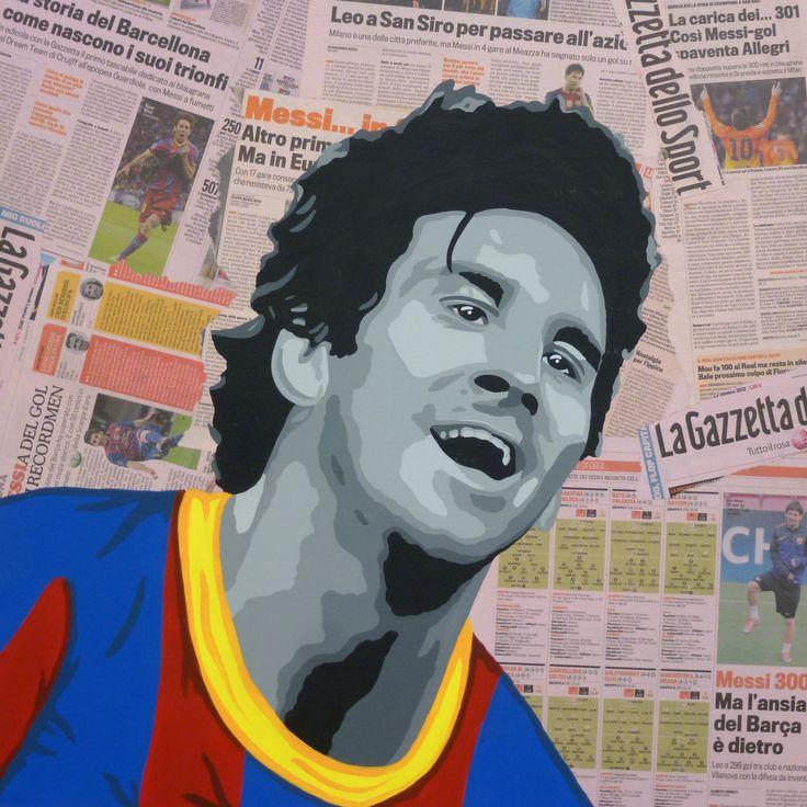 Lionel Messi Dipinto a mano su pagine della gazzetta applicate su base di legno con tecnica decoupage.  Dimensione cm 69x69 sp.4