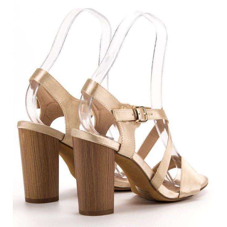 Pin by Chantal Ferguson on Fashion   Fashion, Shoes, Sandals