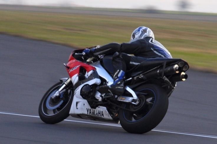 Motocyklowa szkoła bezpiecznej jazdy.