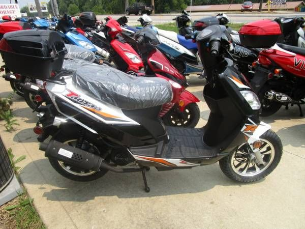 Summer Sale! 50 & 150cc Scooters / +200 in stock
