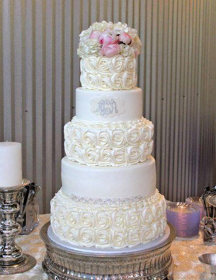 Rosette wedding cake - by CakesbyKerrin @ CakesDecor.com - cake decorating website