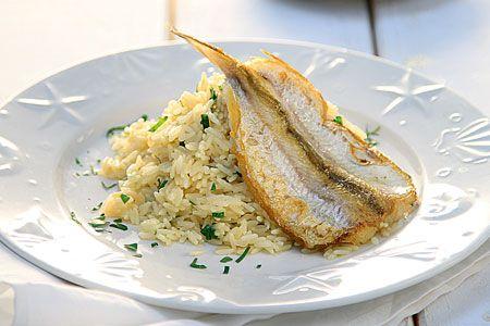 Φιλέτα ψαριού με λεμονάτο πιλάφι