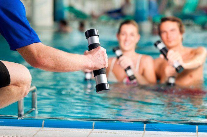 Gimnasia acuática puede ser un montón de diversión para niños y adultos por igual, a pesar de que la gente pueda tener una opinión diferente al principio,