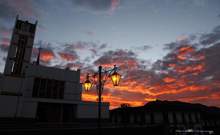 https://flic.kr/p/ch71E1   El amanecer   Sonson Antioquia Colombia ©MauricioAgudelo 2012. All rights reserved. Use without permission is illegal