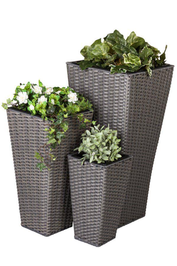 Dekorative Pflanzkubel Aus Kunststoff Mit Integriertem Einsatz