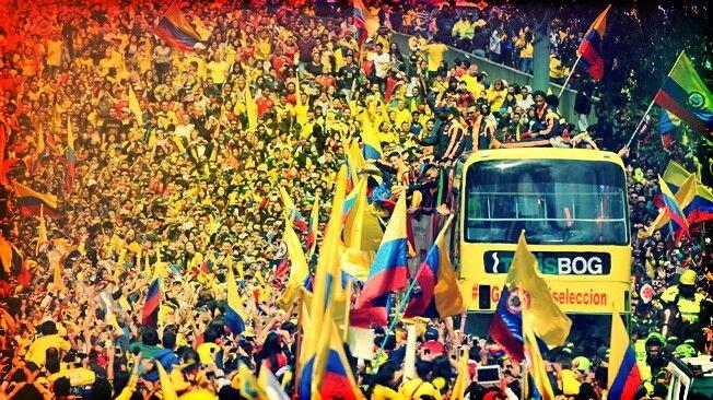 El día mas lindo de un pais unido, un mar amarillo de corazones agradecidos en el recibimiento de LA SELECCIÓN COLOMBIA. Julio 2014