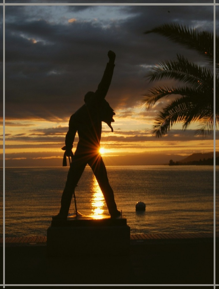 Freddie Mercury Statue,  Montreux - Switzerland, took a pic with him yesterday :)