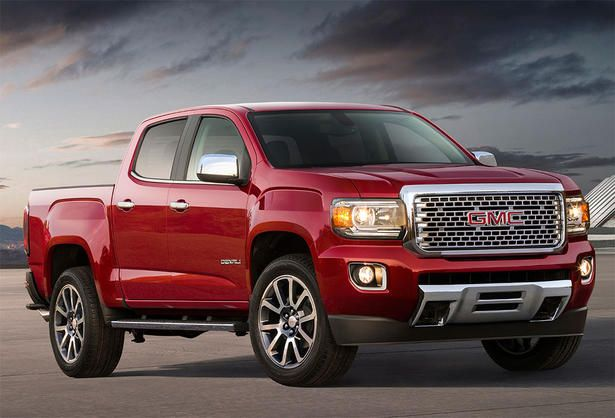 GMC introduced at this year's Los Angeles Autos Show the new 2017 Canyon Denali, which aims to be the world's first premium midsize pi.