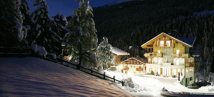 Un piacevole connubio di relax, emozione ed armonia in un ambiente ricco di ospitalità, cordialità e professionalità. #albergovedig #love #photooftheday #amazing #smile #relax #ama #vive #scoprire #emotion #ski #snow