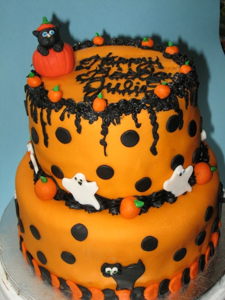 halloween motive auf einer torte in k rbisfarbe kuchen torten cookies cake pinterest. Black Bedroom Furniture Sets. Home Design Ideas