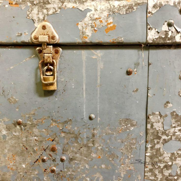 "#photography #artistlife #sabinadantonio #exploretocreate #abstractart  ""Unlocked Destination""  #abstractphotography #urbanabstract #macrophotography #urbanphotography #wallfilth #accidentalart #photographicart #grunge #timeworn #wabisabi #urbanexploration #filthyfecade #abstractsbysabina"
