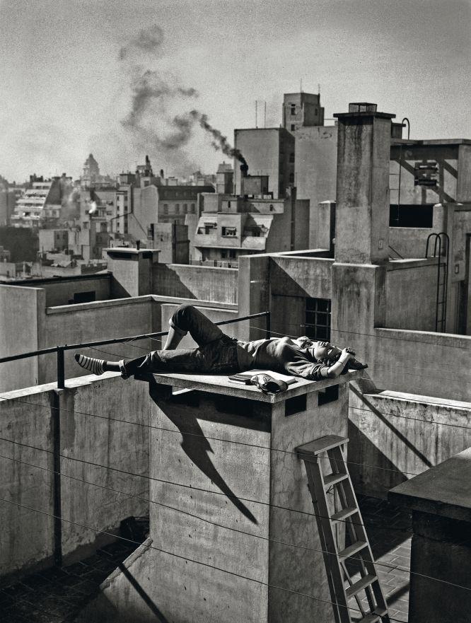 Veraneando en la ciudad. Annemarie Heinrich: Una fotógrafa díscola | EL PAÍS Semanal | EL PAÍS