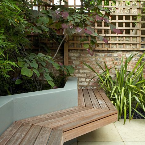 A cool cantilevered bench in a modern patio garden The cantilevered bench, once a cutting edge feature of modernism, is now a fairly popular feature in gardens. There is something incredibly stylish about having all fixings concealed. To recreate the fun of such a feature and to engineer it properly is always an exciting prospect and a one that has to capacity to introduce cutting edge ideas to a project.