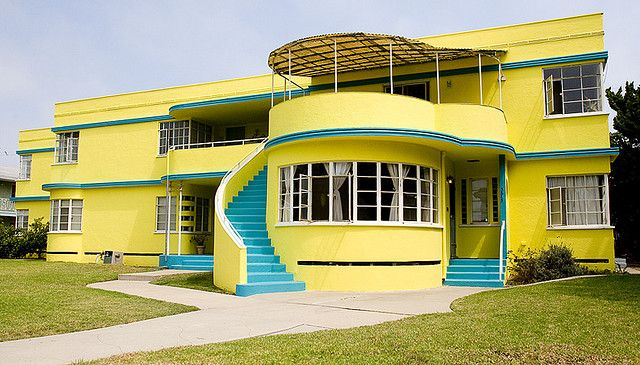 Fifties deco house on 2nd street in Belmont Heights, Long Beach, California by Michael Zampelli, via Flickr