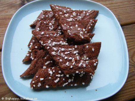 Chokladsnittar Släng i en rejäl näve salta jordnötter och skippa pensling och pärlsocker! /J