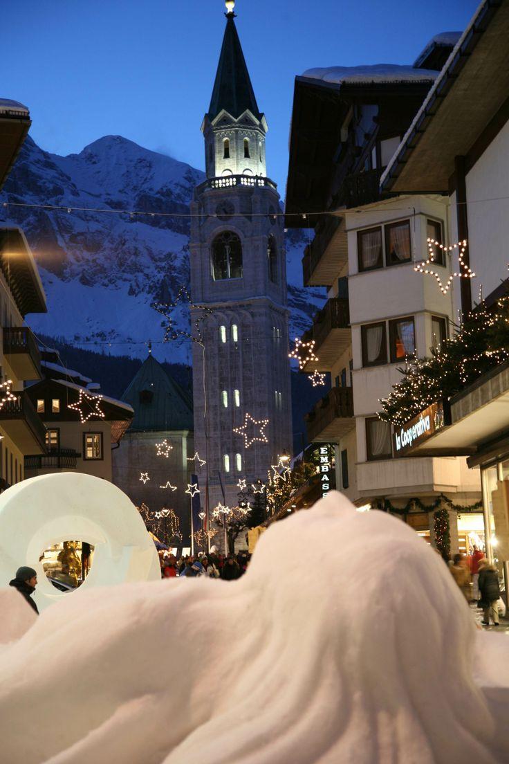 ARTE & GHIACCIO - Festival delle Sculture di Neve a Cortina d'Ampezzo  Credits: Dino Colli  http://www.cortinaup.it/