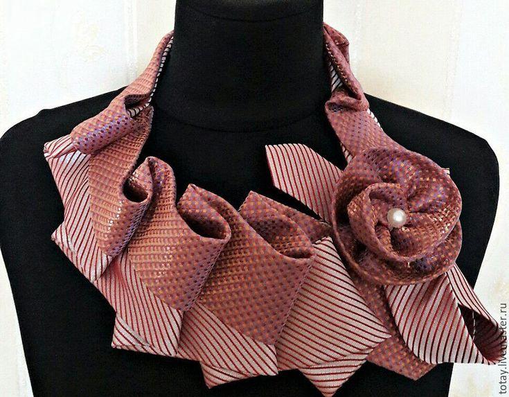 Купить Колье из галстуков - комбинированный, орикинальное колье, оригинальный подарок, подарок девушке, подарок женщине
