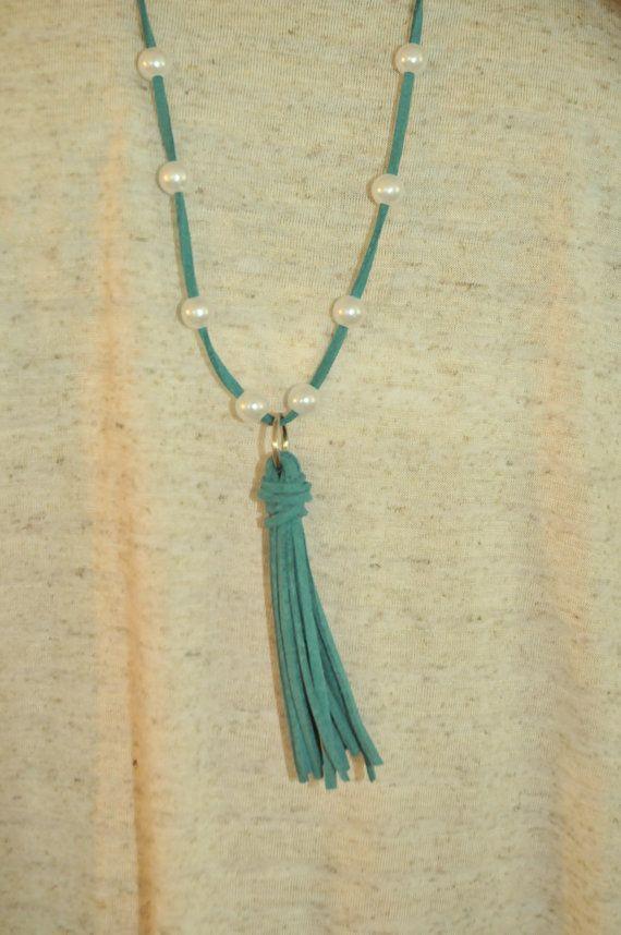 collar de perlas borla verde azulado por MulanaBoutique en Etsy
