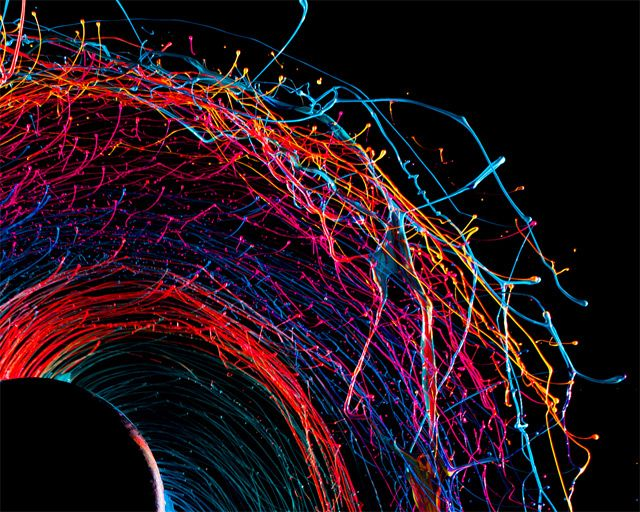 Peinture centrifugée par Fabian Oefner