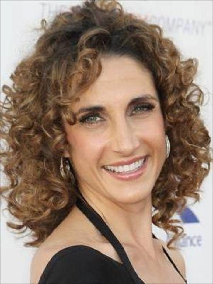 Easy Medium Curly Hairstyles for Women - http://www.hairstyley.com/easy-medium-curly-hairstyles-for-women/?Pinterest