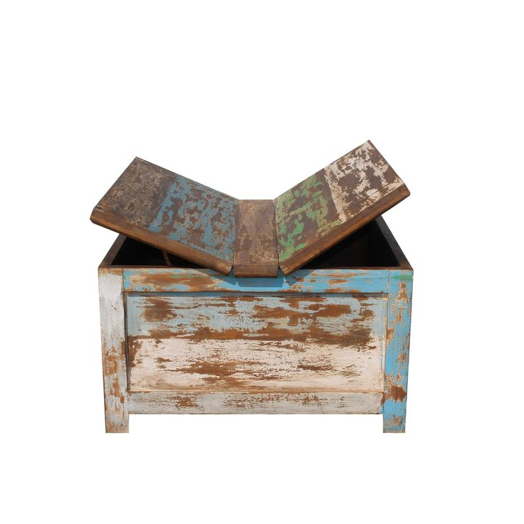 Salontafel Color Recycled is een grote kist met opbergruimte als salontafel en komt uit de collectie van Label51. U kunt deze tafel bestellen op Furnies.nl!