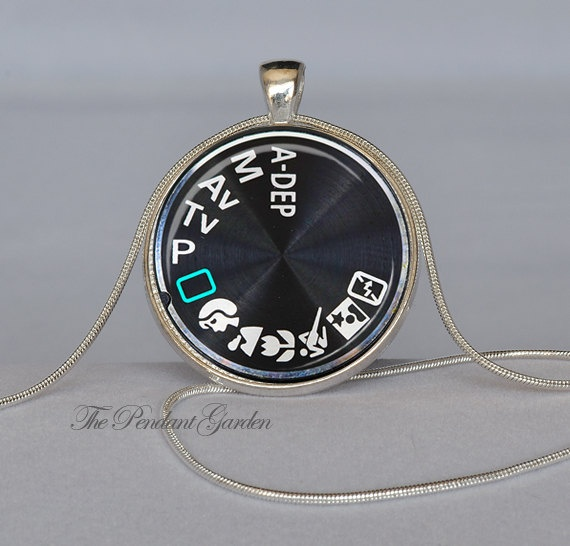 swarovski small creative photography product necklace