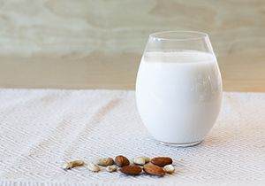 5 Easy Steps to Make Your Own Nut Milks
