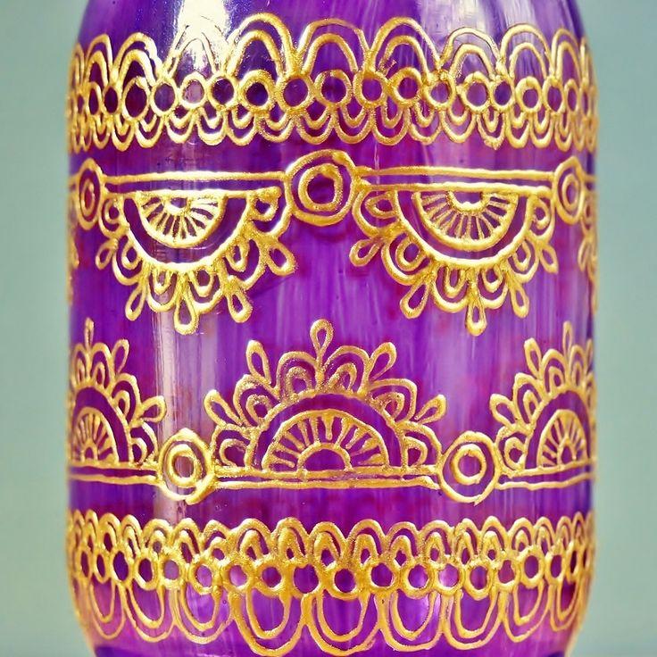 Moroccan painted mason jar - Explore more DIY wedding ideas, how to choose a wedding dress and the best honeymoon destinations on www.mrspurplerose.com