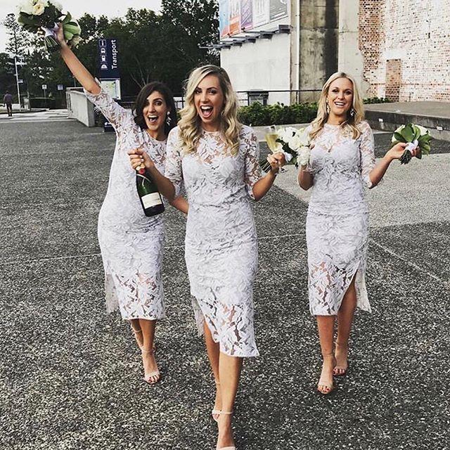 • BRIDESMAIDS • Style inspiration • RG @alexoustonbeauty @julesdalton • #bridesmaid #bestie #bridesmaidstyle  #Regram via @onedaybridal