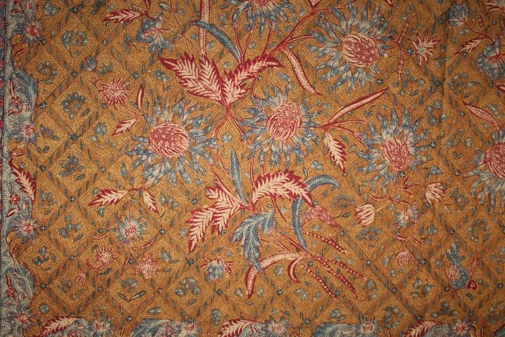 Hand made batik 3Negeri with Sidomukti background