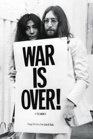 John Lennon - (War is Over) - Poster på AllPosters.se