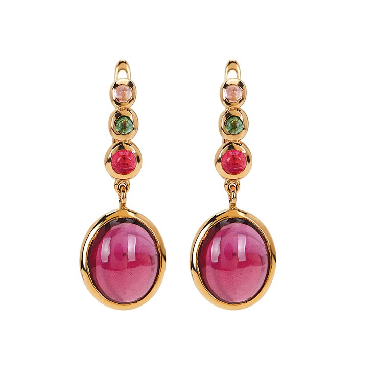 According to an old Egyptian legend the tourmaline, on its long journey up from the centre of the Earth, passed from a rainbow. In doing so, it is assumed to carry all the colours of the rainbow. Tourmalines have a wide array of color from blue to green, yellow and even black. It is believed to give inspiration, ability to emit negative ions, releave stress, help detoxification ,provide concentration and intuitive power who carries it. #tourmaline #gem #jewelry #earring
