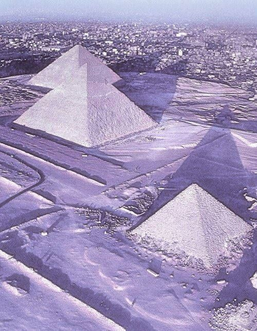 The snow that has blanketed much of the Middle East turned Cairo white this Friday,  the 13th! of December, 2013.   Apparently it's Egypt capital's first snowfall in 112 years.